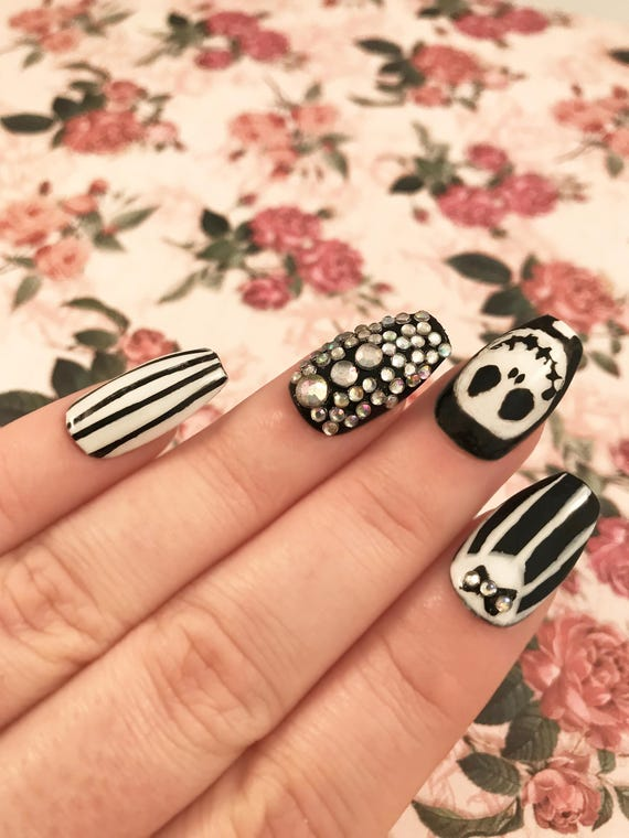 Jack Skellington nails. Hand painted Nightmare Before Christmas ...