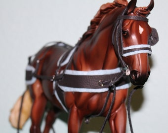 Traditional Breyer Horse Padded Carriage Tack Set