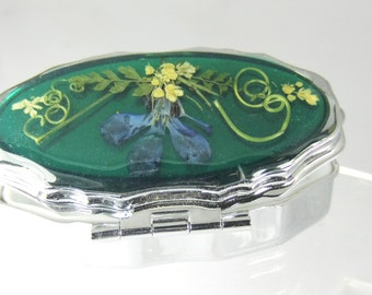 Real Flowers  Pill Box with Mirror,Pressed Flowers, Pressed Flower Accessories, Resin (1592)