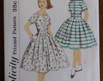 Simplicity 2401 1950s Girls Party Dress Dropped Waist Full Skirt Size 8