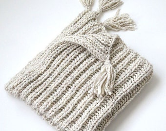 Off White Light Cream Ivory Eggshell Color Acrylic Wool Chunky Knitted Warm Wrap Throw Lap Crib Blanket with Tassels