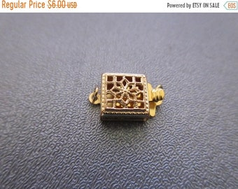ON SALE 20% OFF 14K Gold Filled 1 Row Square Filigree Box Clasp 1pc