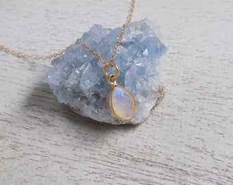 Bridesmaid Gift, Moonstone Necklace, Gold Moonstone Necklace, Crystal Necklace, Gemstone Necklace Minimalist Necklace Moonstone Jewelry M-4