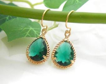 Bridesmaid gifts-Set of 4,5,6 -Emerald earring,wedding earring,Gorgeous Drop,stone in twisted bezel, green,Dangle Earrings,B0083-G