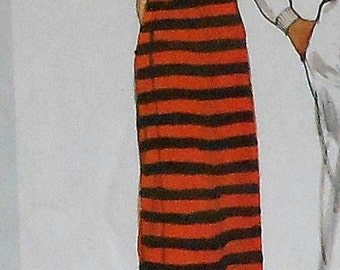 Vintage Vogue Basic Design Dress Sewing Pattern 2447 Size 12 Collared Casual Long