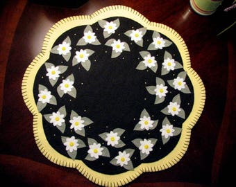 "Hand Stitched 17"" Daisies Wool-Felt - candle Mat - Penny Rug - Folk Art - Primitive - Wool applique - Fiber Art - Home Decor - Spring Decor"