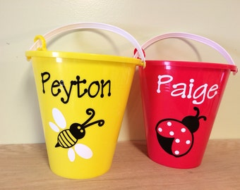 Personalized sand pail, bucket with shovel, name or monogram, ladybug or custom design, great party favors