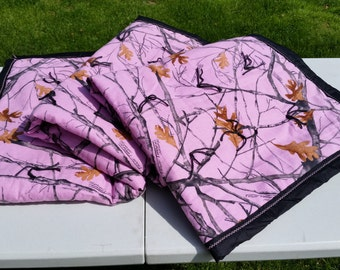Mossy Oak Breakup Pink Camo Quilt
