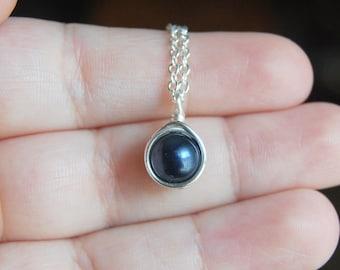 Dark Navy Blue Necklace , Bridesmaid Necklace , Navy Pearl Necklace , Swarovski Pearl Necklace