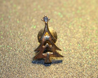 10358 Christmas Tree Pin with Clear Crystal Star FREE SHIPPING
