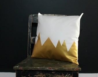 Mountians White & Metallic Gold Pillow Cover, Gorgeous home decor white and metallic gold cushion cover. Throw Pillows Cushions
