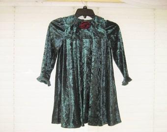 Green crushed velvet Christmas dress for little girl, dark green velvet dress