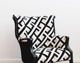 Refurbished Vintage Accent Chair Camel Back Black White