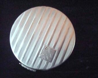 Vintage Tre-Jur silvertone vanity compact