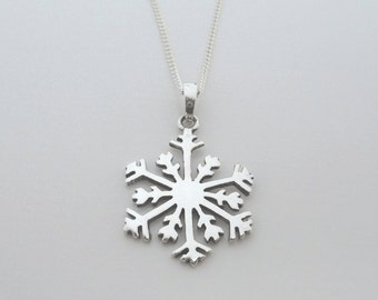 """925 Sterling Silver Snowflake Pendant on 16, 18 or 20"""" Curb Chain Snow Flake"""