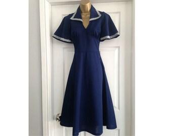 ORIGINAL 70's, Vintage Navy Blue and Silver Trim Mod Dress, Shift Midi Dress, Scooter Dress, Vintage Dress, Tea Party Dress.