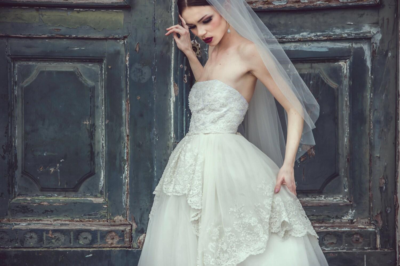 Elfenbein Tüll schulterfreies Brautkleid Tüll Brautkleid
