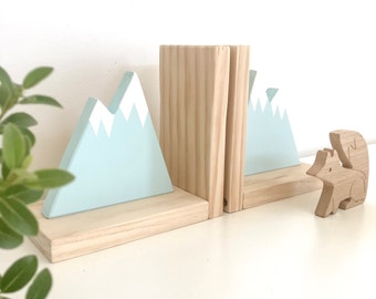 Mountain Snow Peak Bookend, Mountain Bookends for Kids, Book Ends for Kids, Woodland Nursery Decor, Woodland Decor, Mountain Peak Decor,