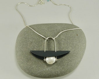 Sterling nas Pearl Warrior Necklace - N1440