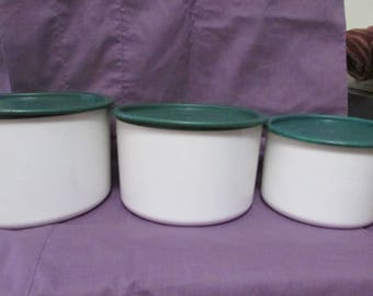 Vintage Tupperware 3 Piece One Touch Cannister set  ROW 09