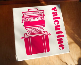 NEW IN BOX - Never Used - Olivetti Valentine 1969 - Vintage Red typewriter - Working perfectly