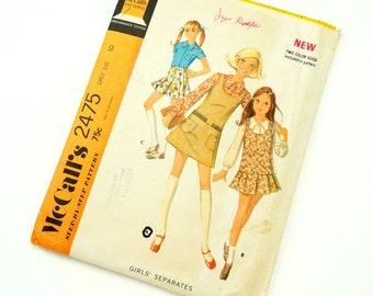 Vintage 1970s Girls size 10 Blouse, Jumper and Skirt McCalls Sewing Pattern 2475 Complete / b28.5 w24.5