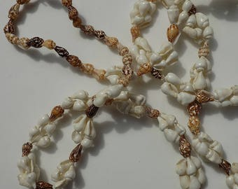 Vintage Seashell Boho Necklace 1970s