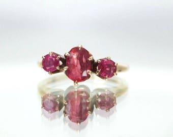 Antique 14K Solid Yellow Gold Ruby Ring- Size 5.75