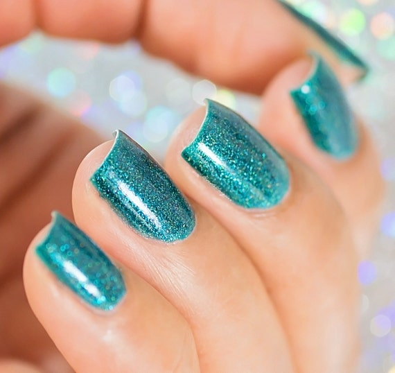 Best Turquoise Nail Polish: Turquoise Holo Nail Polish Caribbean Twist The Gradient