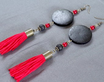 Earrings in black, red and black lava stone.