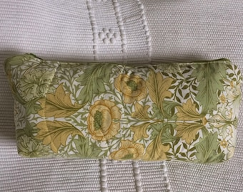 Green Large Quilted / Zipped Cosmetics Toiletry Bag with English Floral Sanderson Fabric