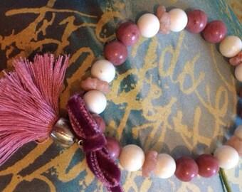 Bracelet gemstone, rhodochrosite and pearl bracelet.