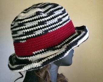 Crochet Charming Bucket Hat Pattern - Crochet Cloche Hat
