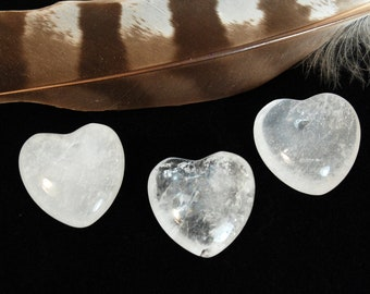 CLEAR QUARTZ Heart Stones | Clear Crystal Heart | Chakra Energy Crystals | Recovery Gift | Wedding Favor | Healing Crystals and Stones