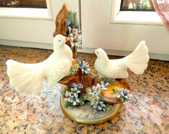 Porcelain Wedding Pigeons, Capodimonte Porcelain Pigeons, Wedding porcelain decorations, Capodimonte miniature, Capodimonte figurine