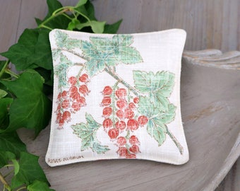 Botanical Lavender Sachet, Vintage Inspired Red Currants, Drawer Freshener