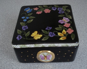 VINTAGE Hand Painted JEWELRY BOX. Majolica / Porcelain Black color with Gold and Floral Design Vanity Jar. Dresser Box.