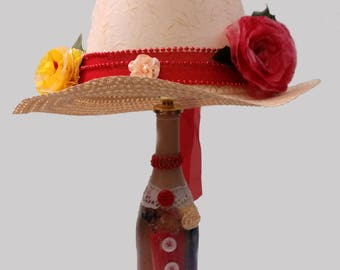 Novelty lamp, hat lamp, conversation piece, Mother's Day gift for Mom, gift for her, whimsical, old-fashioned, vintage look, Free Shipping