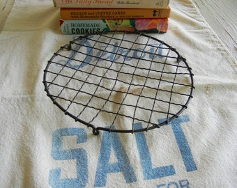 Vintage Wavy Wire Cooling Rack...Old Wire Trivet..French Bakery Rack