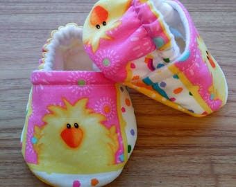 Easter baby shoes,Easter cotton fabric,Soft  baby shoes,Baby shower gift,gift,Babyshoes,Baby girl shoes,Handmade