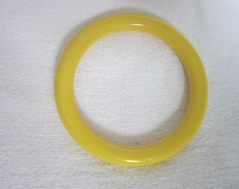 Vintage Early Plastic ? Bakelite ? Bangle Bracelet