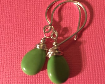Green apple chalk turquoise drops