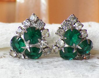 Vintage Emerald Green / Clear Rhinestone Clip On Earrings, Silver Tone Metal, Rhinestones, Vintage Bride, Evening, Geometric, Triangles