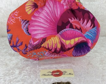 Handmade handbag purse clutch kiss clasp Alice frame bag Philip Jacobs Kaffe Fassett Shells