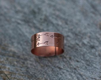 Wide copper ring // Handstamped arrow pattern // Adjustable // Made to order