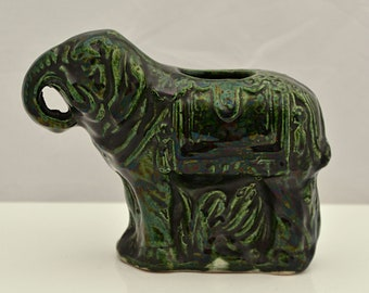 CHINESE Ming / Qing Dynasty C17th GREEN Glaze Pottery Elephant FIGURINE Hand Cut Foot
