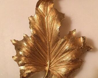 Vintage Crown Trifari gold tone leaf brooch