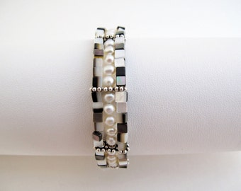 Abalone Cubes withPearls in the Middle Bracelet