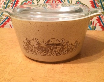 PYREX Forest Fancies (1980-1986) #473 Bowl with Lid