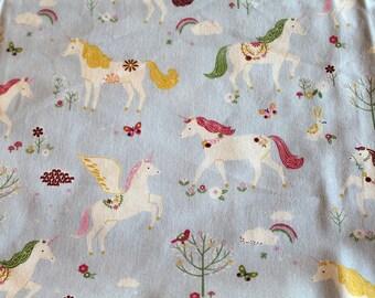 Coupon fabric girl 50 x 70 cm unicorns